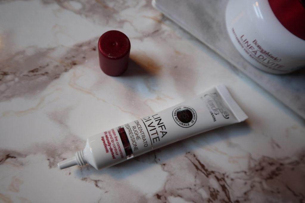 Pelle del viso giovane: trattamento completo antirughe effetto filler (Linfa di Vite)
