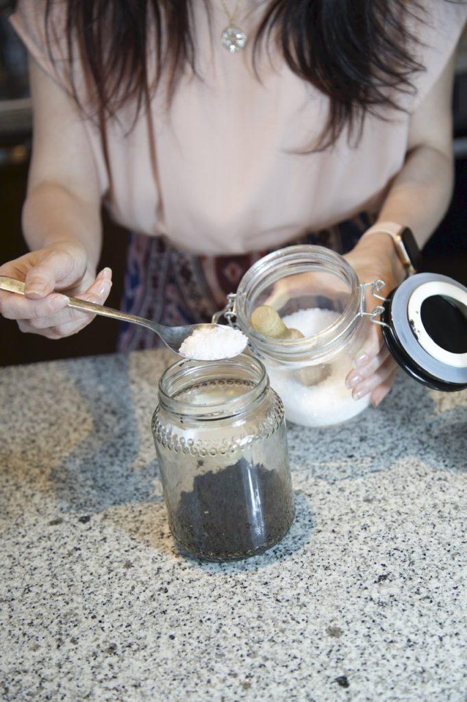 Scrub al caffè: preparate il vostro esfoliante corpo direttamente a casa
