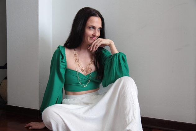 Gipsy style: gonne lunghe e larghe abbinate a incrociati e accessori giusti, Margaret Dallospedale