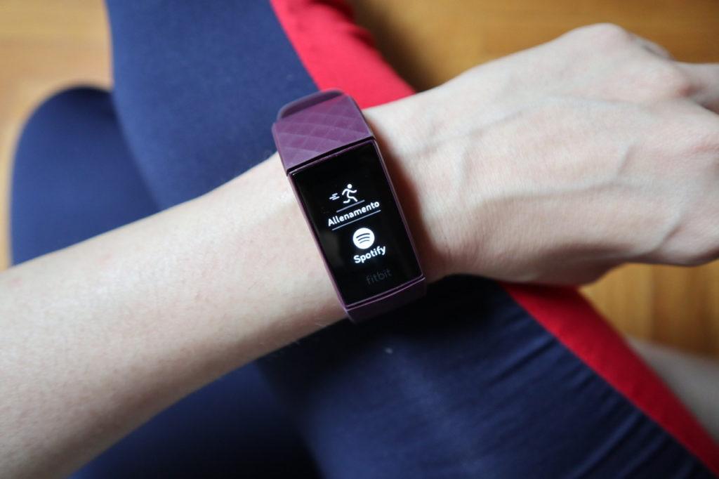 Fitbit Charge 4: una vita più sana grazie ad un compagno che aiuta a conoscersi!