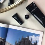 Dior Sauvage: Gli essenziali per la beauty case da viaggio di lui