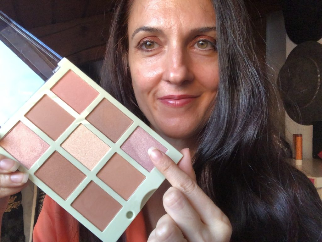 Pixi on the glow look with my pixi beauty essentials favorites