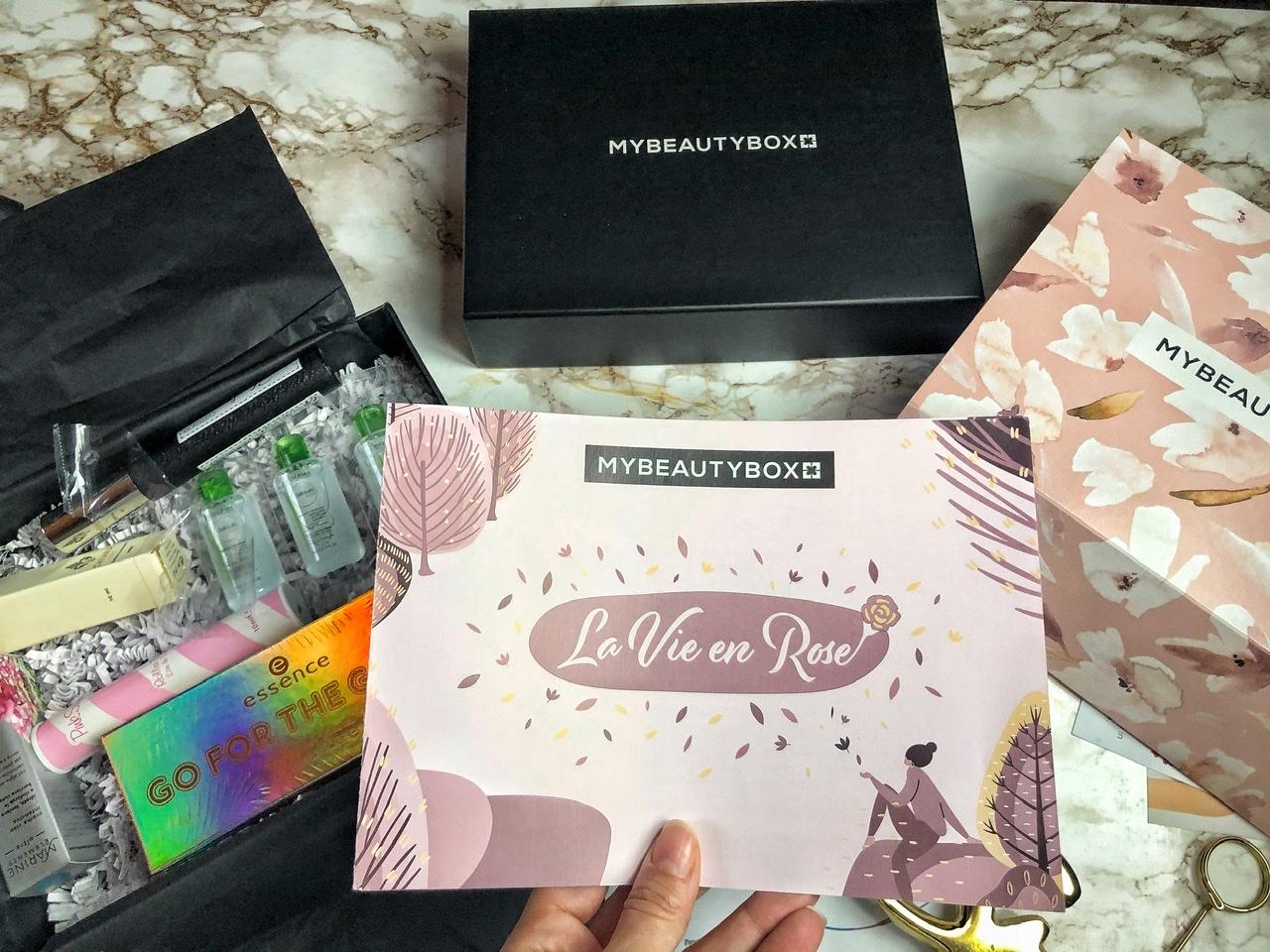 La vie en rose: My Beauty Box ci accompagna verso l'autunno con coccole