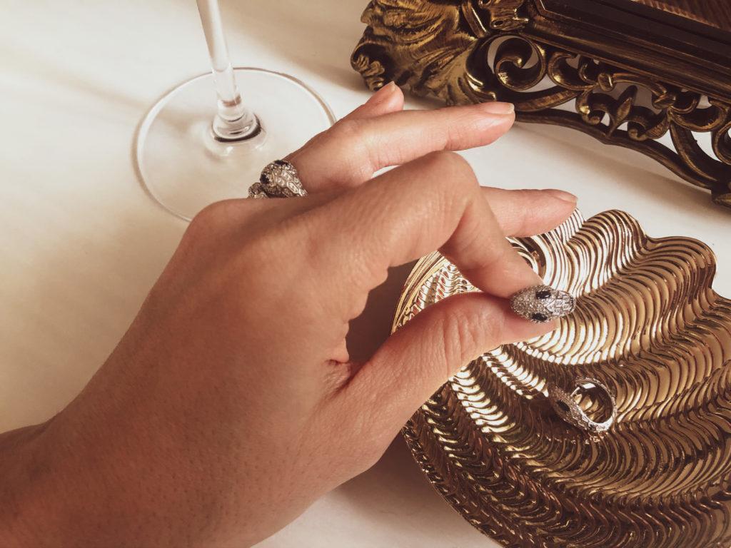 Perché CPerché scegliere gioielli a forma di serpente