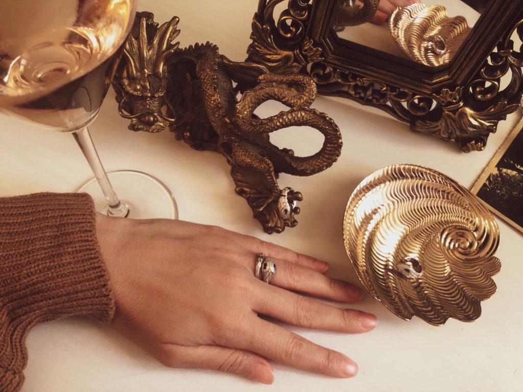 Come scegliere gioielli a forma di serpente su apm monaco