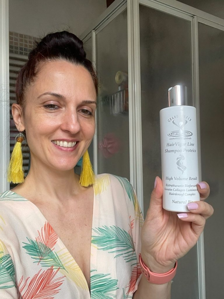 Shampoo proteico per capelli ristrutturati e rinforzati
